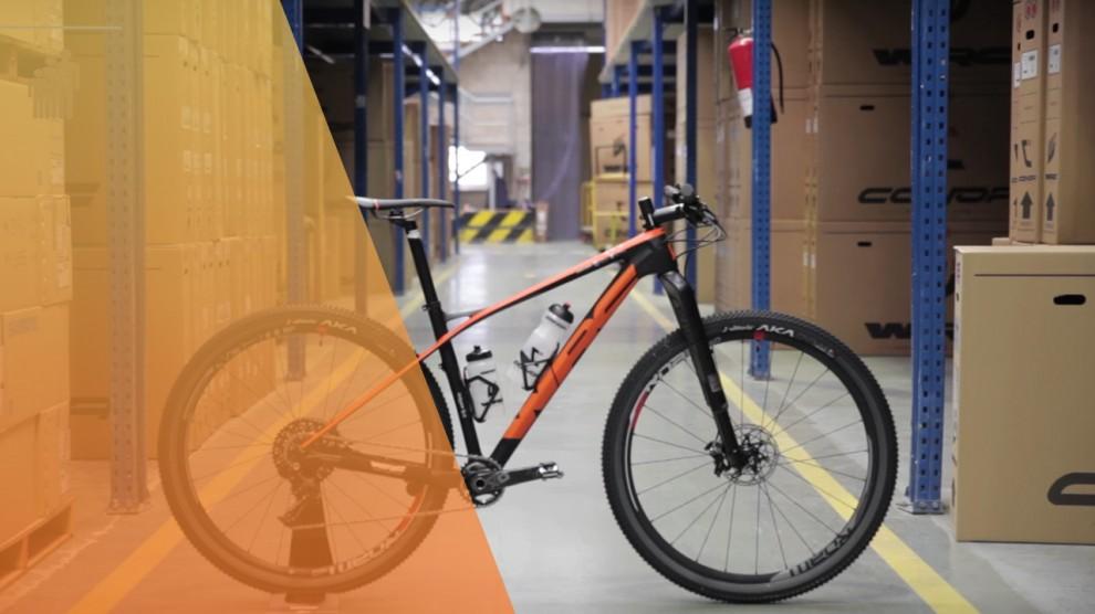 Bicicleta-del-equipo-#acciontitan